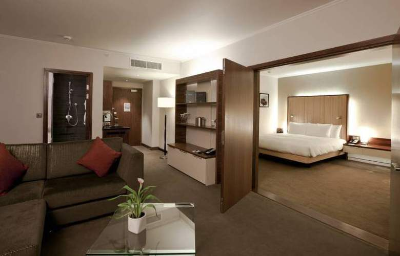 Hilton London Heathrow Airport Terminal 5 - Room - 7