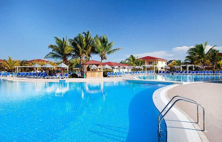 Memories Caribe Beach Resort  - Pool - 2