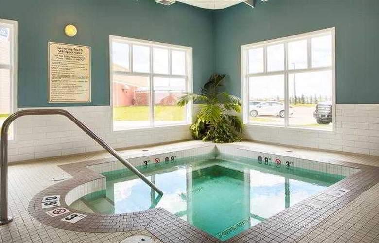 Best Western Plus Camrose Resort & Casino - Pool - 21
