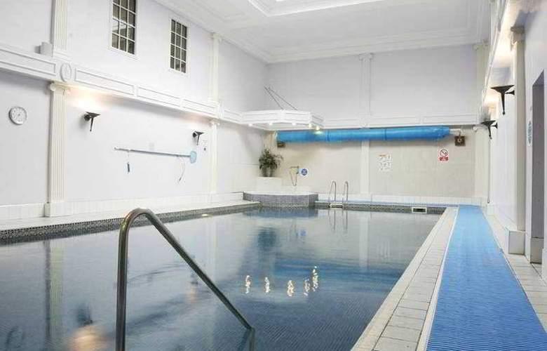 Thainstone House Hotel - Pool - 4