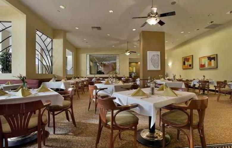 Hilton Woodland Hills-Los Angeles - Restaurant - 17