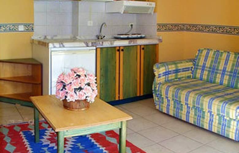 Club Petunya Apart - Room - 2