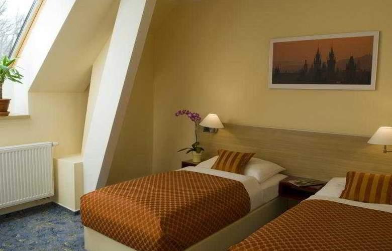 Hotel Michael - Room - 0