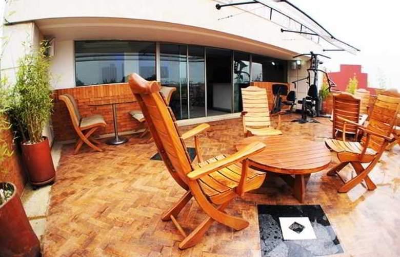 Hotel Embassy Park - Terrace - 6