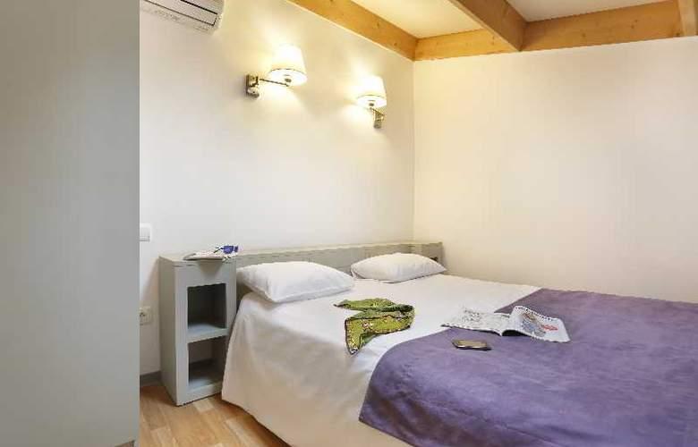 Resid Price - Room - 13