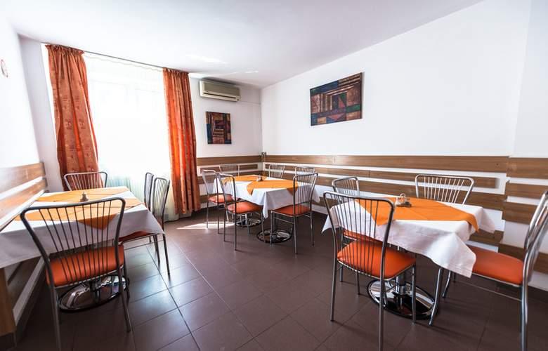 Est Bucharest - Restaurant - 5