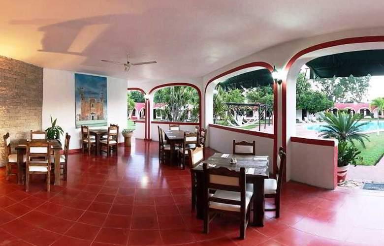 Hotel Hacienda Inn Aeropuerto - Terrace - 30