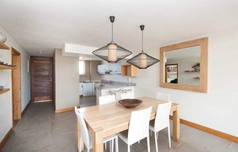 Cape Bay Luxury Beach Apartments By BARNES - Room - 6
