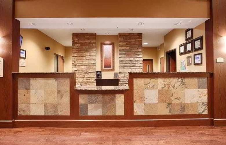 Best Western Plus Grand Island Inn & Suites - Hotel - 15