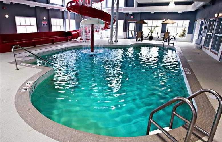 Best Western Plus Camrose Resort & Casino - Pool - 3
