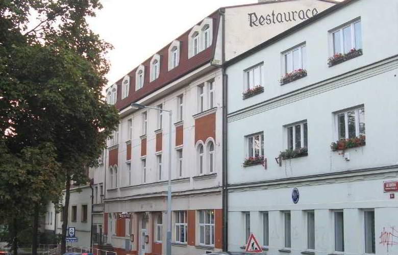 U Ceske Koruny Hotel - Hotel - 0
