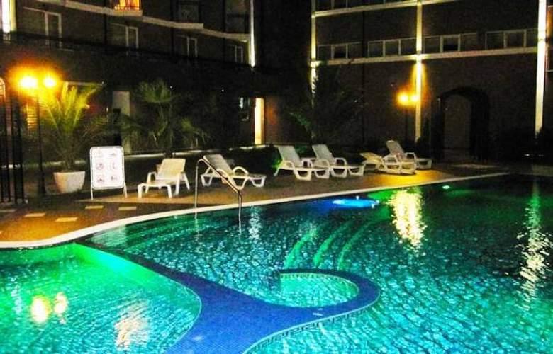 Bahami - Pool - 6