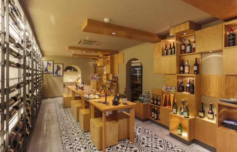 Portugal Boutique - Bar - 8