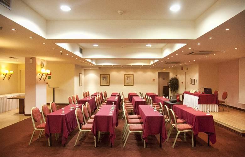 Capsis Astoria - Conference - 15