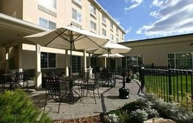 Holiday Inn Spokane Airport - Terrace - 11
