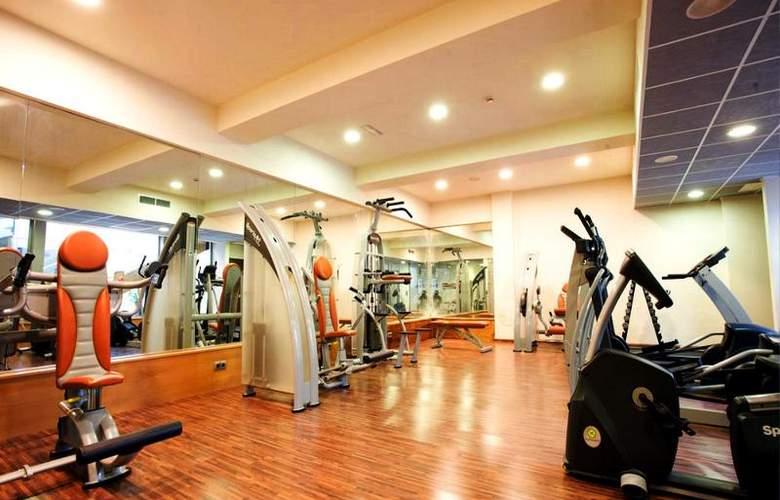 Sercotel Hotel & Spa La Collada - Sport - 8