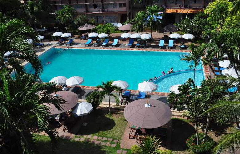 Basaya Beach Hotel & Resort - Pool - 19