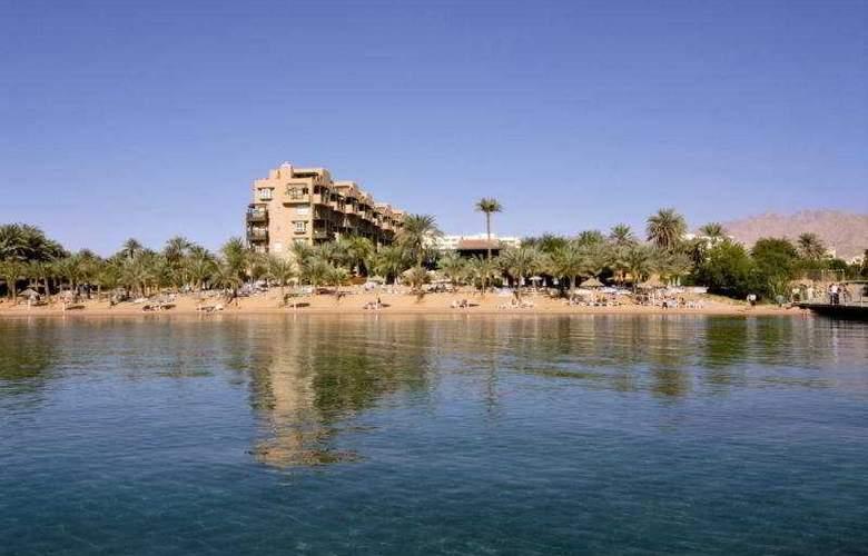 Movenpick Aqaba - Beach - 1