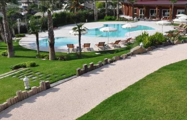 Alcantara Resort - Pool - 5
