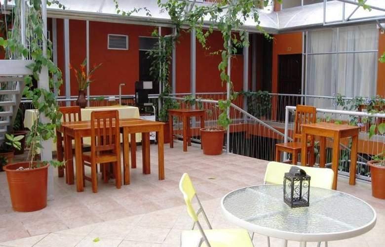 Las Colinas - Hotel - 0