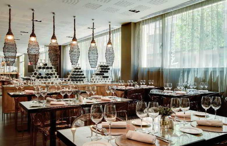 Rafaelhoteles Forum Alcala - Restaurant - 48