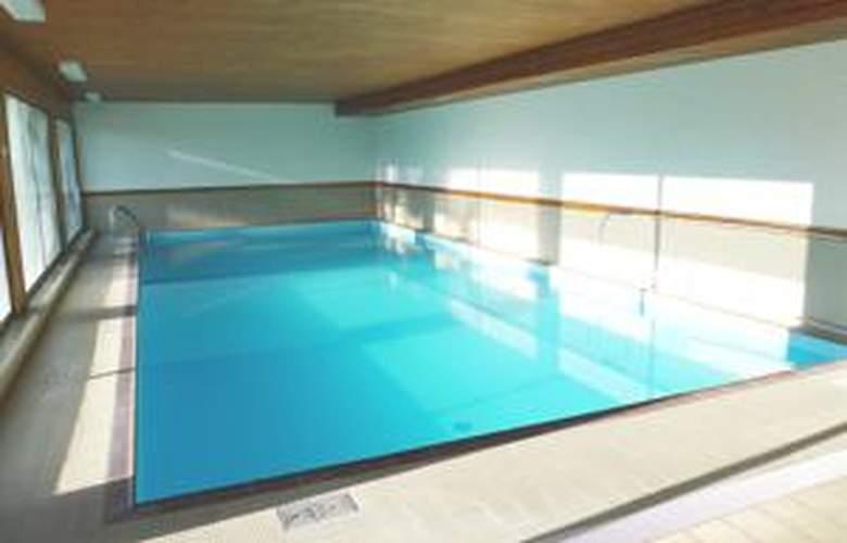 Armina - Pool - 3
