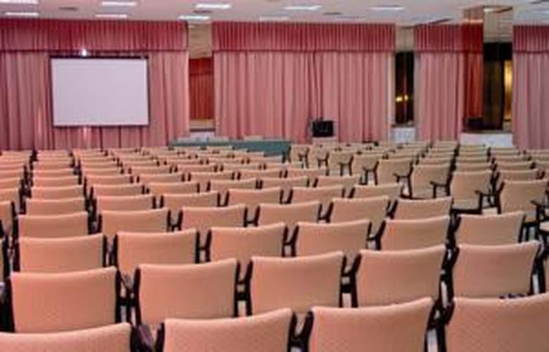 Cavanna - Conference - 64