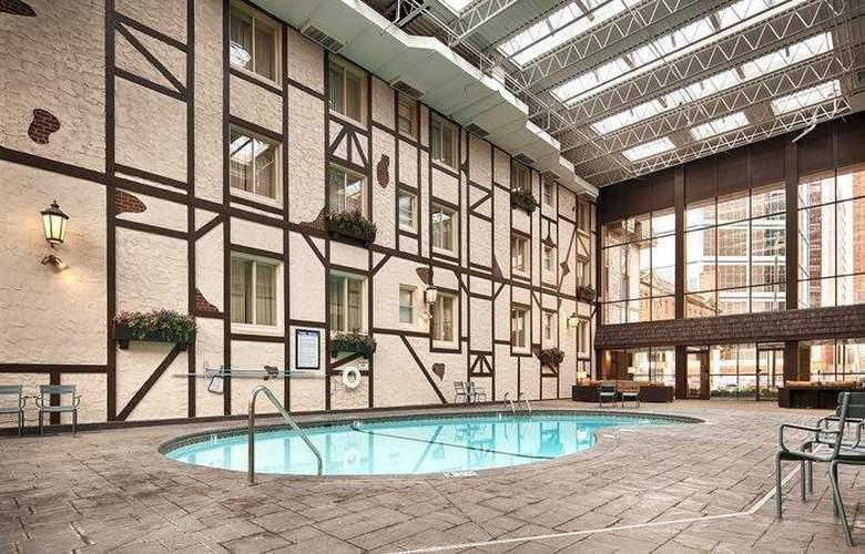 Best Western Plus The Normandy Inn & Suites - Pool - 52