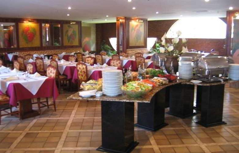 ST Paul Plaza - Restaurant - 3