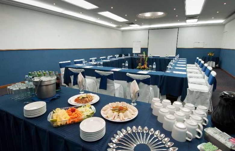 Vista Express Plaza del Sol - Conference - 9