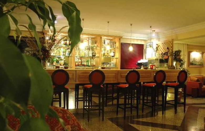 Aurora Garden - Bar - 9