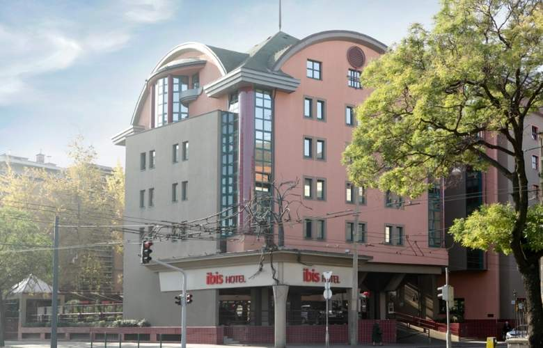 ibis Budapest Heroes Square - Hotel - 0