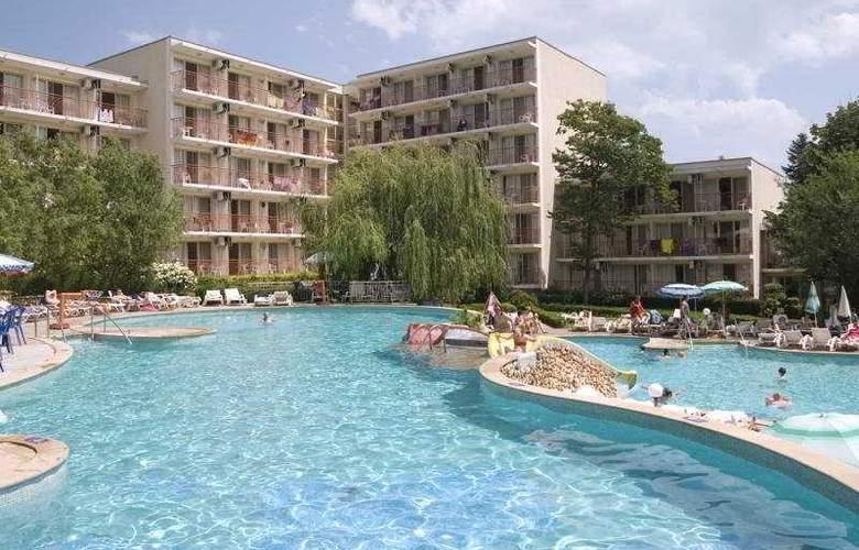Vita Park - Pool - 4