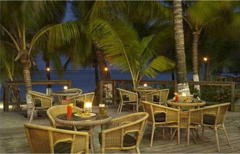 Fantasy Island Dive Resort - Terrace - 4