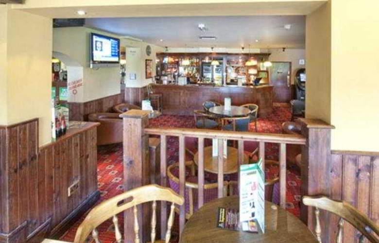 The Broughton Hotel M1 JCT 14 - Bar - 5
