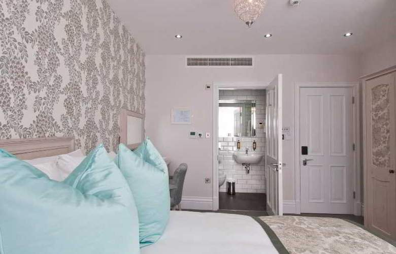 W12 Rooms - Room - 17