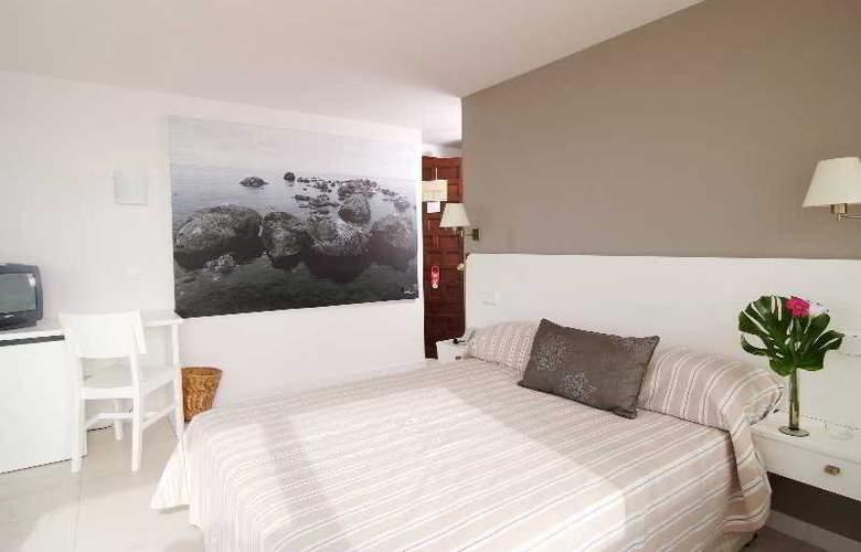 Daina Hotel - Room - 11
