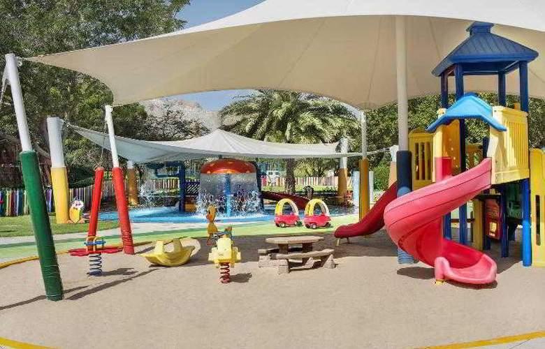 Le Meridien Al Aqah Beach Resort - Hotel - 9