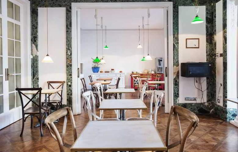 Casa Gracia Barcelona Hostel - Restaurant - 49