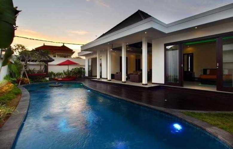 D  Residence Tanjung Benoa - Pool - 0