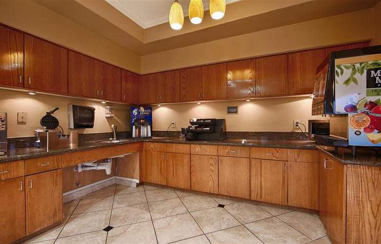 Best Western Greenspoint Inn and Suites - Restaurant - 155
