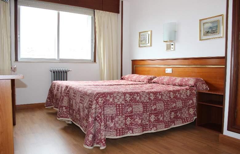 Rey Fernando - Room - 3