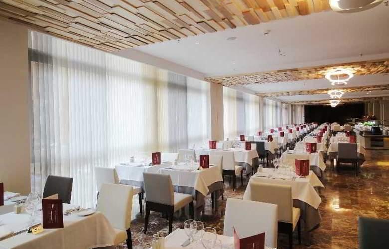 Angela - Restaurant - 19