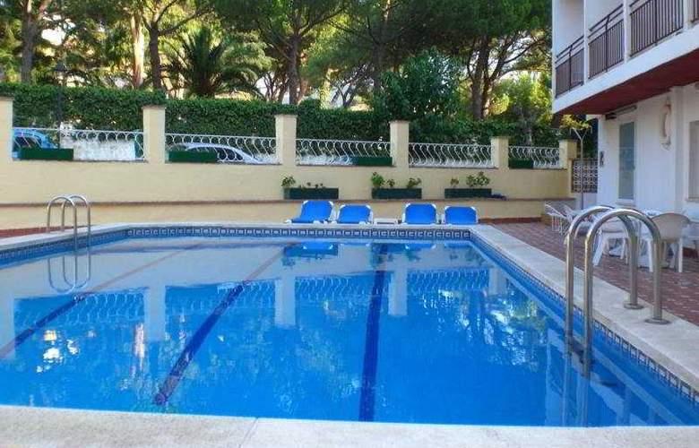 Summer - Pool - 4