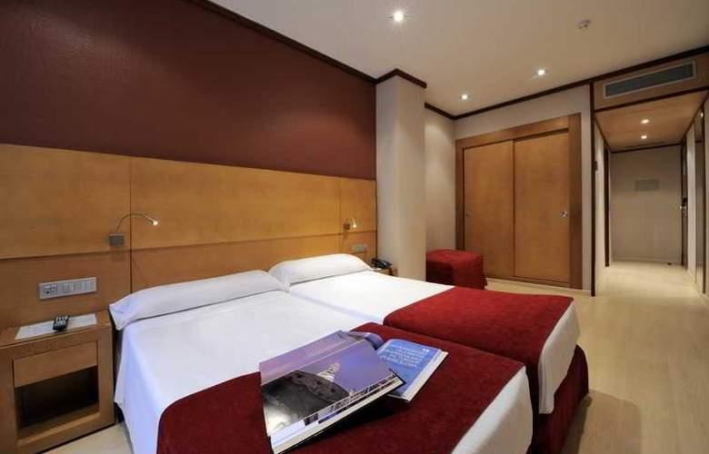 Reding - Room - 6