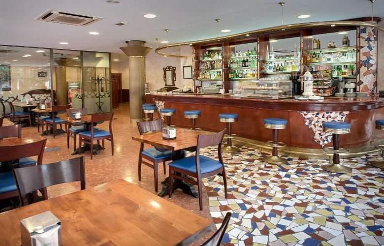 Gaudi - Restaurant - 10