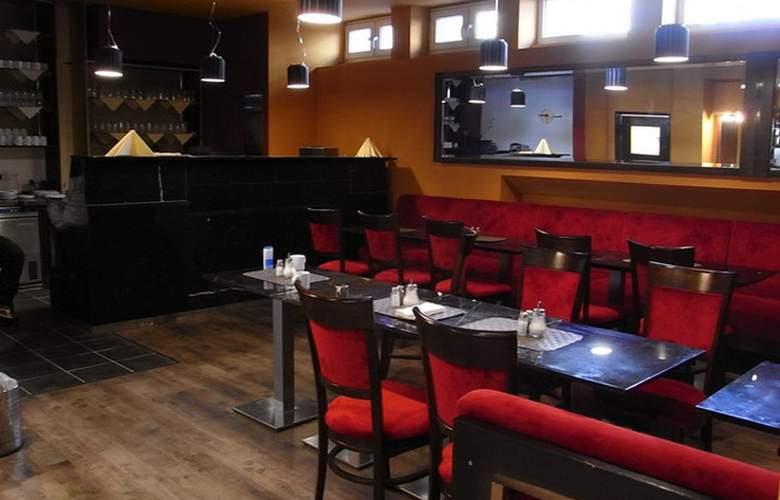 Potsdamer Inn - Restaurant - 8