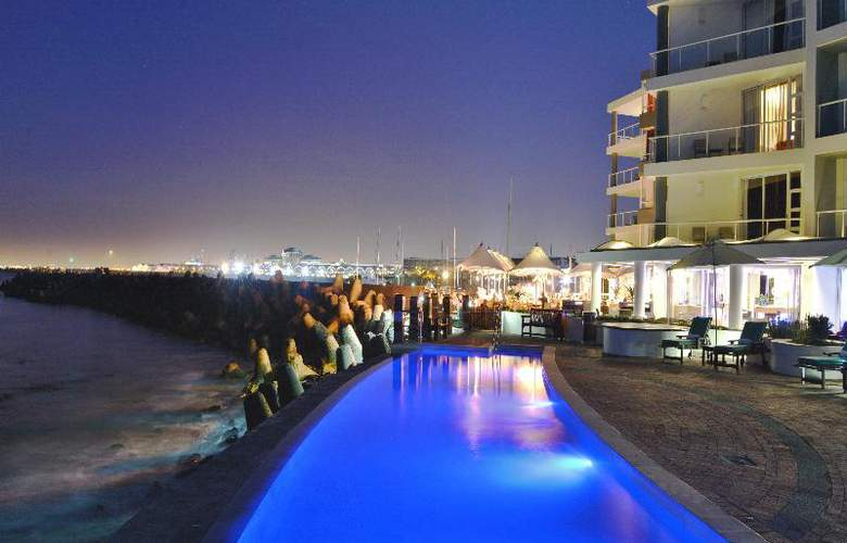 Radisson Blu Hotel Waterfront, Capetown - Pool - 16
