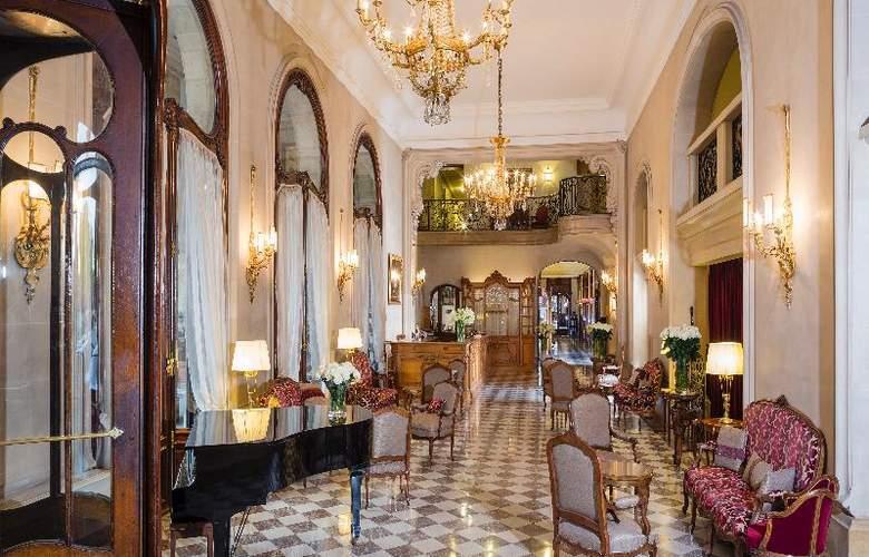 Hotel Regina - General - 0