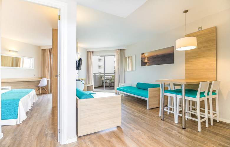 Eix Lagotel Hotel y apartamentos - Room - 12
